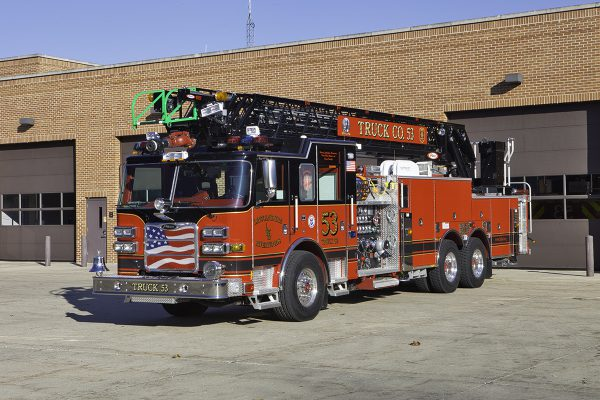 Lincolnshire Riverwoods FPD Truck 53. Larry Shapiro photo